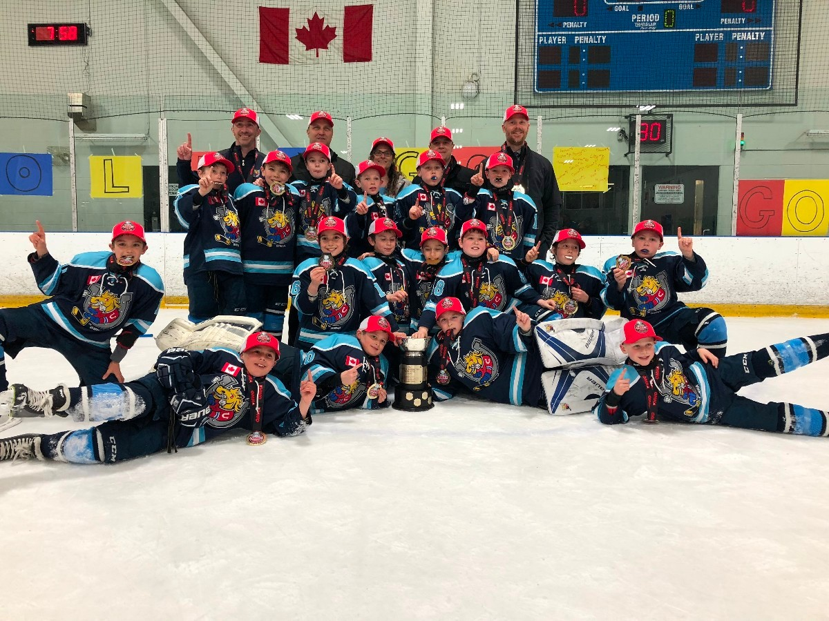 Barrie_Colts_Minor_Atom_AE_OMHA_CHAMPS_Team_picture_March_2018.JPG